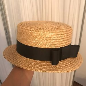Accessories - Straw hat with black ribbon and bow
